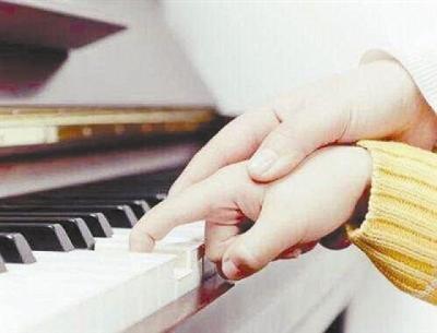 比赛沦为赚钱工具!高大上的钢琴培训藏多少猫腻?