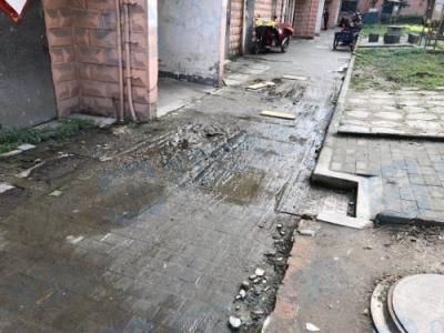 念四新村居民楼下水道不畅,雨后污水倒灌 恶臭难闻,社区回应····