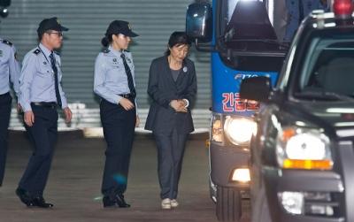 朴槿惠又一坎:检方月底将求刑,或建议判她30年