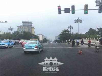 文昌路快车道改造全线完工,道路通行顺畅