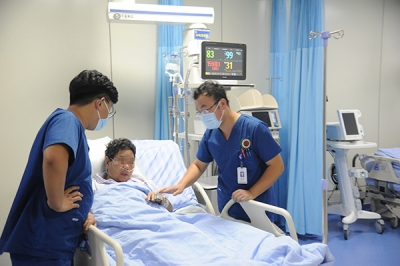 哈尔滨酒店火灾23名伤员中20人已脱离生命危险