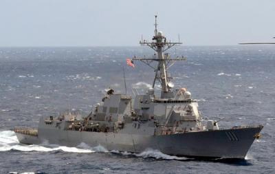 两艘美国导弹驱逐舰再闯入中国南沙岛礁12海里