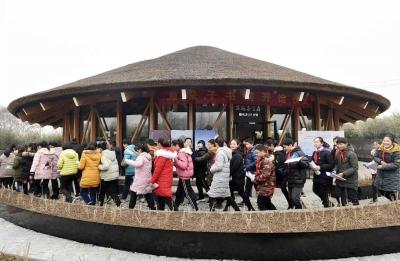 【乡村振兴】变废为宝打造书房和景观 扬州小乡村农民家门口就能闻书香逛公园