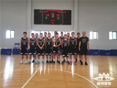 一个月之内第三次站上领奖台  蒋王中学男篮再夺江苏省冠军