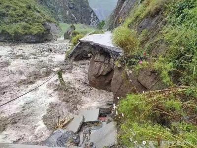 滚动   四川暴雨灾害已致7人死亡,含1名消防员