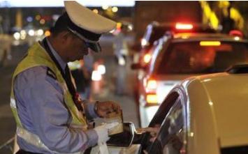 意外不?扬州5旬男子费力考个驾照,没过实习期就被注销