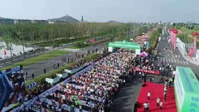 """致敬绿色!首届南通国际马拉松激情""""森林跑"""""""