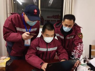 揚州這位與病毒賽跑的人,被國家三部門表彰!