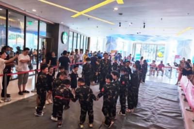 太平人寿扬州中支组织军事夏令营客服活动