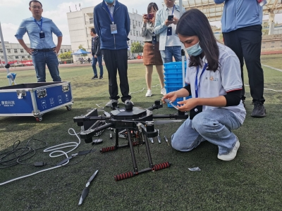 """【视频】人工智能+无人机,省内72名技术高手在扬州""""过招"""""""
