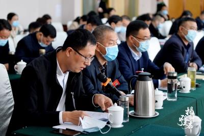 """【""""两会""""长镜头】代表委员出谋划策,扬州""""越来越好"""""""