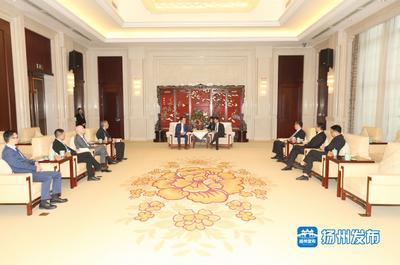 王进健会见法国圣戈班亚太区首席执行官韦博立一行