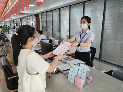 """扬州宝应:优化行政审批,""""三个窗口""""打开服务新风景"""